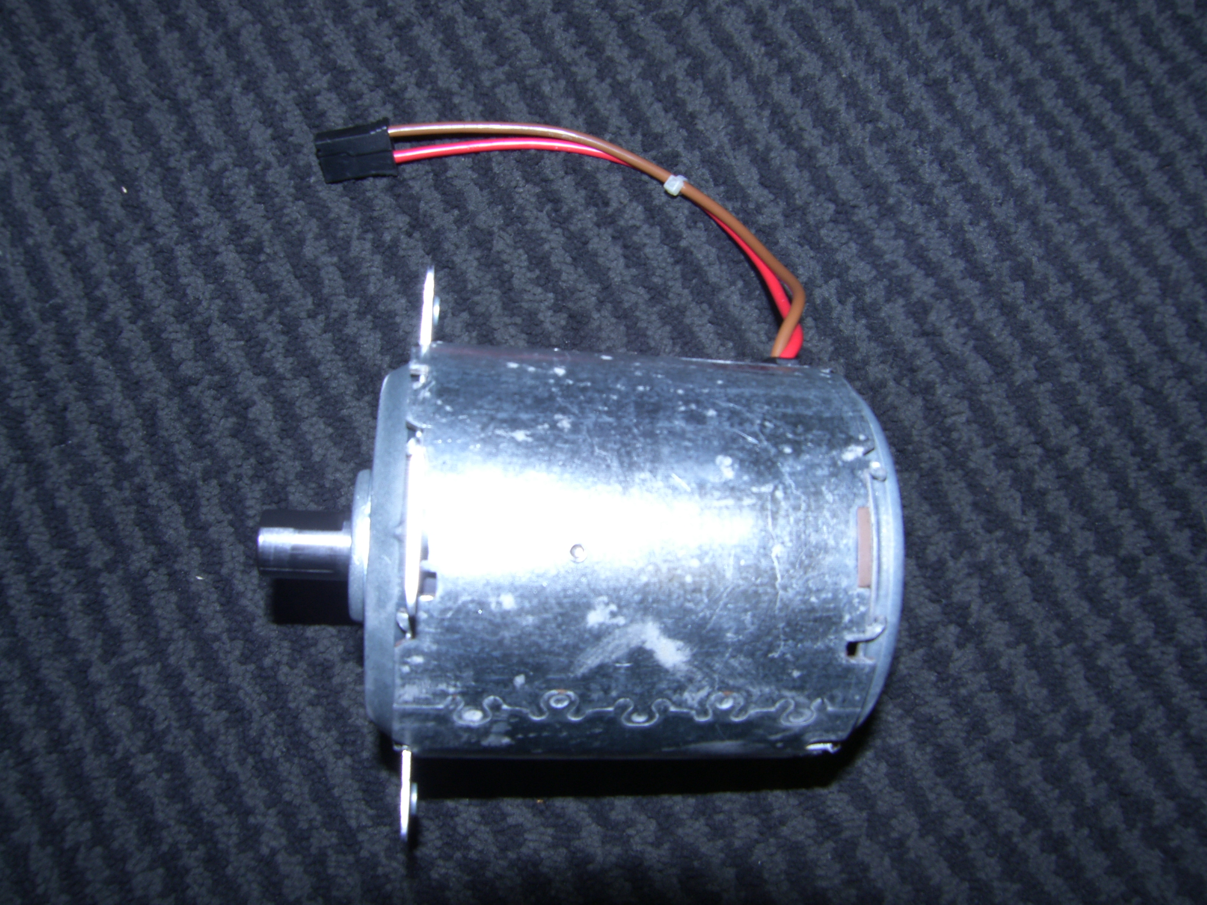 22V / 24V DC Motor FHP Motors Ideal for Robot Wars BRAND NEW